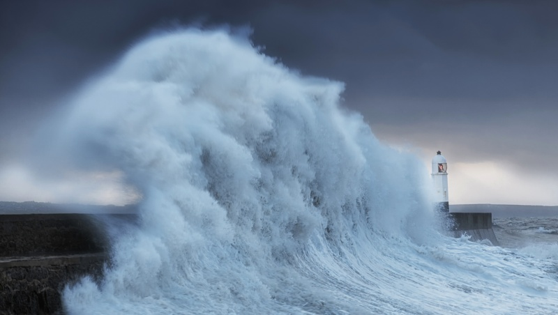 """Pareigūnas: JK artėja prie """"koronaviruso dugno"""", trečioji banga bus gerokai mažesnė"""