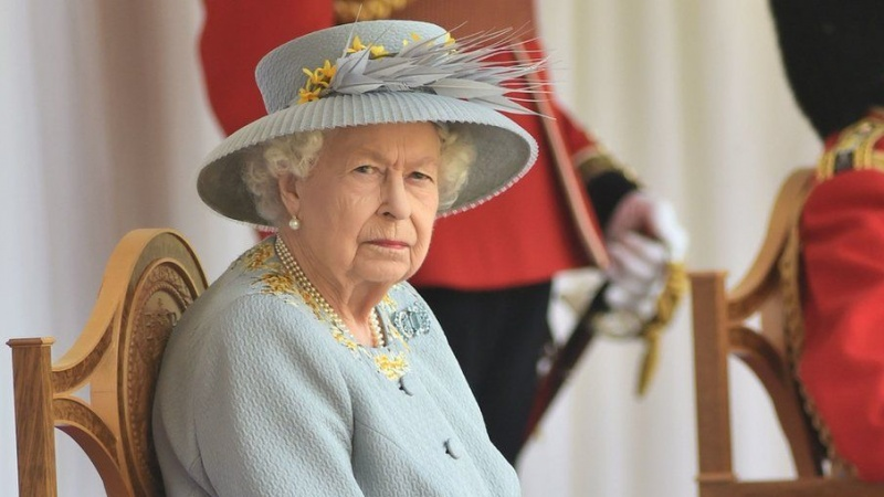Britanijoje kukliai paminėtas karalienės oficialusis gimtadienis