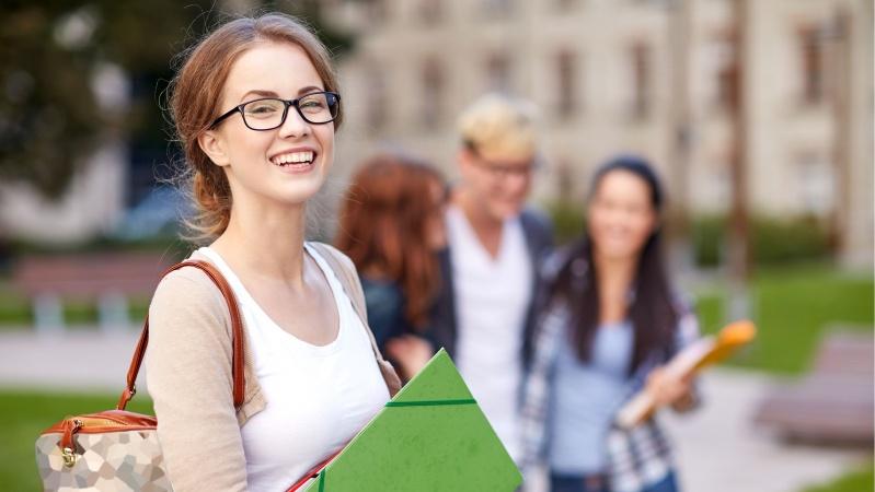 Studijos Anglijoje: nuo koledžo iki universiteto - tęstines (TopUp) studijos