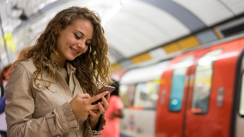 Mobilusis ryšys visoje Londono metro sistemoje veiks 2024 m.