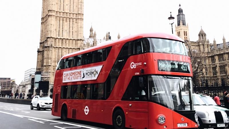 Slapti JK dokumentai voliojosi autobusų stotelėje