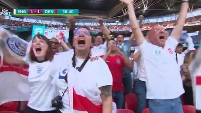 """""""Susirgusią"""" Anglijos futbolo rinktinės sirgalę išdavė ... televizija"""