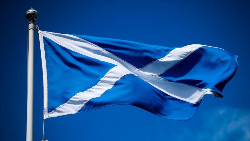 """Škotijoje švelninami COVID-19 apribojimai, tačiau su """"tam tikromis modifikacijomis"""""""