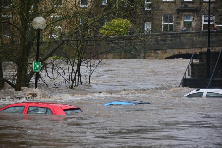 Įspėjimas: Londoną nusiaubęs potvynis dar nesustojo