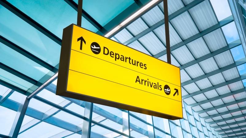 Nuo šiandien paskiepytieji ES šalyse, JAV į Angliją gali atvykti be saviizoliacijos
