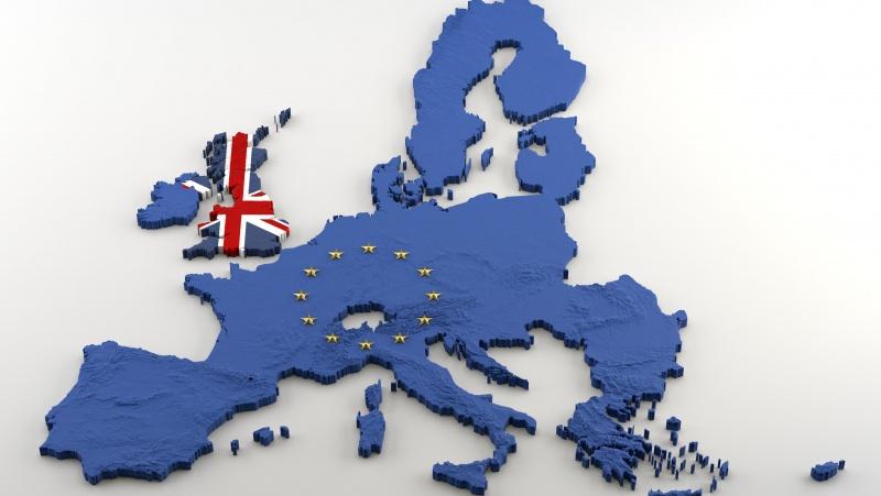 Patvirtinta: į ES keliaujantys JK piliečiai nuo kitų metų turės susimokėti €7 mokestį