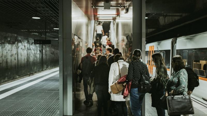 Londono meras prašo gražinti baudas už kaukės nedevėjimą viešajame transporte
