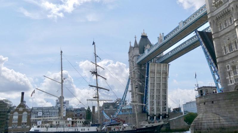 Londono Tower'io tiltas po techninio gedimo liko atviras