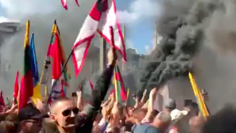 Prie LR Seimo – keli tūkstančiai mitingo dalyvių