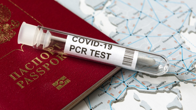 JK – siūlymas atsisakyti koronaviruso testų pilnai paskiepytiems keliautojams