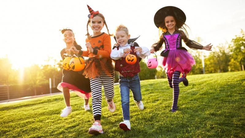 Peterborough'o lietuviai kviečia Halloween'ą švęsti kitaip!