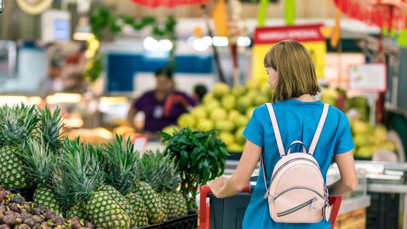 JK maisto pardavėjai įspėja: per Kalėdas lentynos gali būti tuščios