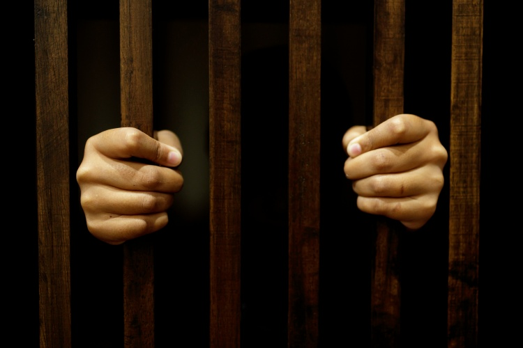 Į JK sugrąžintas penktasis lietuvių gaujos narys nuteistas dėl cigarečių kontrabandos