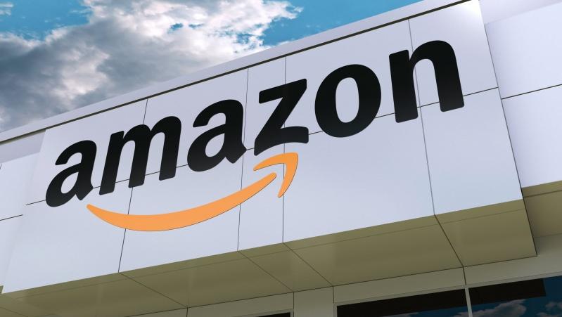 """JK prekybininkai baiminasi, kad """"Amazon"""" prieš Kalėdas nuvilios darbuotojus"""