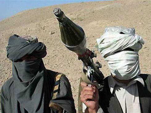 Talibano mirtininkai bandė šturmuoti JAV bazę Afganistane