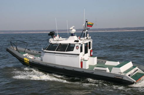 Baltijos jūroje tinkluose įsipainiojo jachta