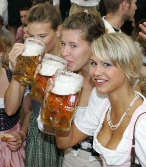 Bavarijos premjerui 2 litrai alaus už vairo - ne kliūtis