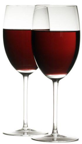"""Italijos miestelyje įvyko """"stebuklas"""" – vanduo čiaupuose virto vynu"""