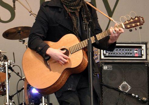 Britanijoje lietuvis neigia kaltinimus dėl gitaros vagystės