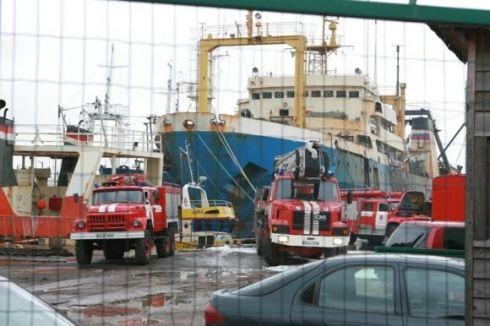 """Laivų remontininkams """"vokeliuose"""" išmokėti milijonai"""