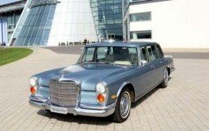 Aukcione bus parduodamas E.Preslio automobilis