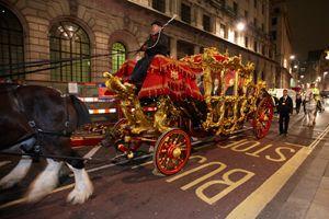 Londono mero šventėje - karnavališka eisena ir fejerverkai