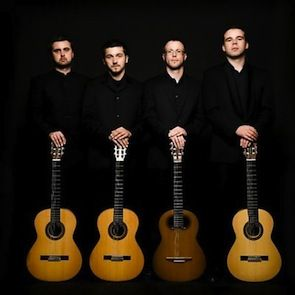 Baltijos gitarų kvartetas virkdys ir šokdins