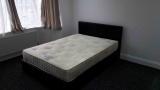 Išnuomojamas gražus dvivietis kambarys Chadwel Heath rajone (Su privačiu dušu)